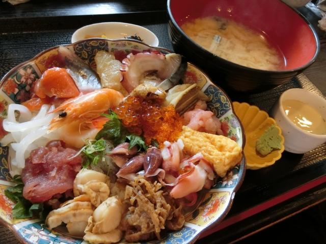 新鮮なお魚で料理したものが食べたい(ざこばの朝市)